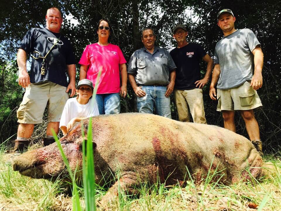 Jackson Roberts, with this monster kill - Also assisting L-R Mike Roberts, Kim & Westley Fiveash, Jeffery Clark, & Luke Clark
