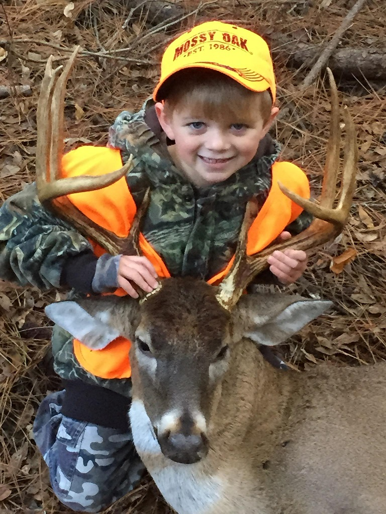 Ryder Abott has the season of a lifetime at age 5, with his 10pt Buck