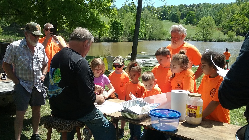 White Habersham Chapter Kids Fishing Day Saturday April 28th, 2018 - Learning to clean fish